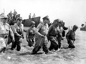 300px-Douglas_MacArthur_lands_Leyte1