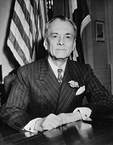 Manuel_L._Quezon_(November_1942)